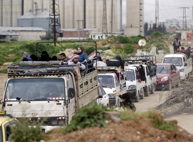 En Syrie, les habitants d'Idlib poussés à l'exode.