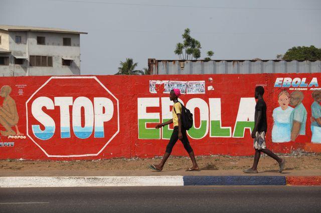 """""""Stop Ebola"""", Monrovia, Libéria, 22 mars 2015."""