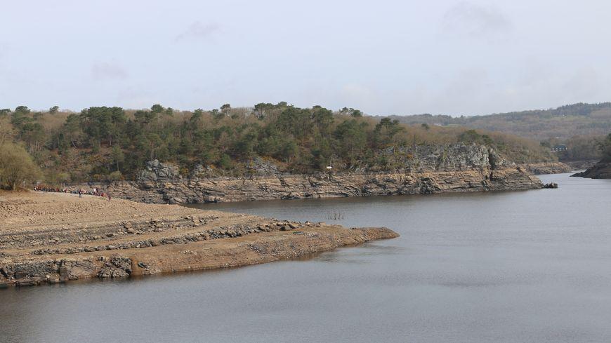 La vidange du lac de Guerlédan a débuté