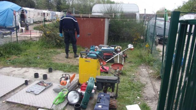 Une centaine d'objets volés retrouvés dans des fosses