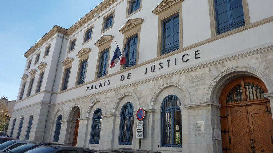 Le palais de Justice de Valence dans la Drôme, avril 2015.