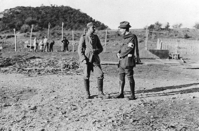Visite d'un délégué du CICR à un prisonnier allemand en Algérie en février 1915