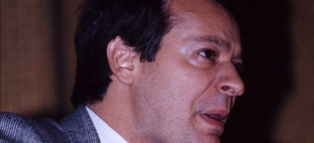Jean-Pierre Stirbois au Palais des Congrès de Lyon, 1984. M.A. Chantelot via Wikimedia Commons.
