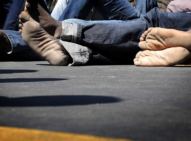 Des migrants repêchés dans la Méditerrannée