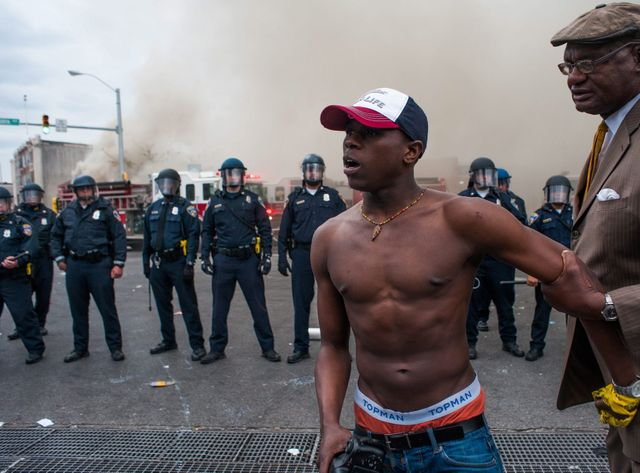 Ces émeutes sont les plus violentes aux Etats-Unis depuis les manifestations à Ferguson dans le Missouri