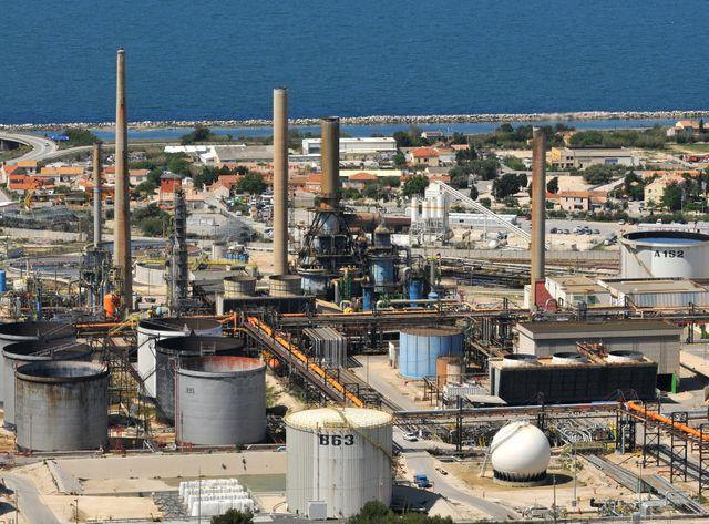 La raffinerie de Provence Total La Mède à Martigues