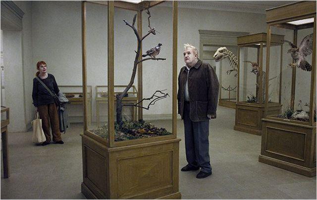 """Photo extraite du film """"Un pigeon perché sur une branche philosophait sur l'existence"""""""