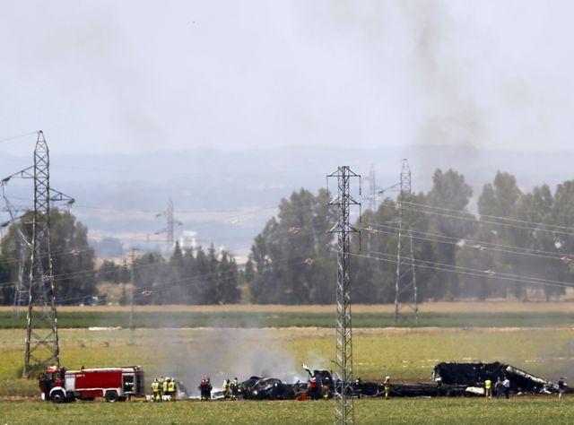L'avion s'est écrasé près de l'aéroport, avec 8 à 10 personnes à bord
