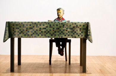 Martin Honert, Foto (klein-Martin am Tisch), 1993