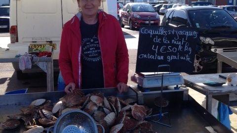 Véronique Gaillard, vendeuse de coquilles Saint-Jacques.