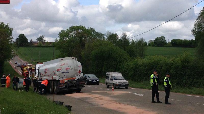 L'accident s'est produit au niveau de la station-service de Chaufour-Notre-Dame, sur la route de Laval