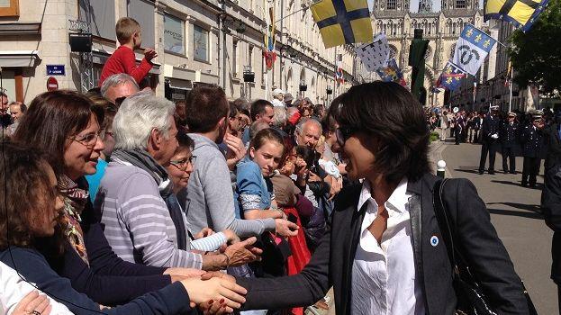 Audrey Pulvar a pris le temps de saluer la foule ce vendredi.