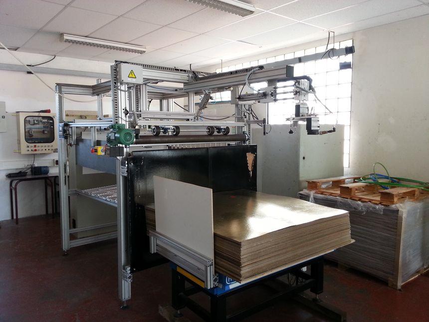 Lycée la Chataigneraie , Le Mesnil Esnard (76) Machine créée à la demande d'un industriel