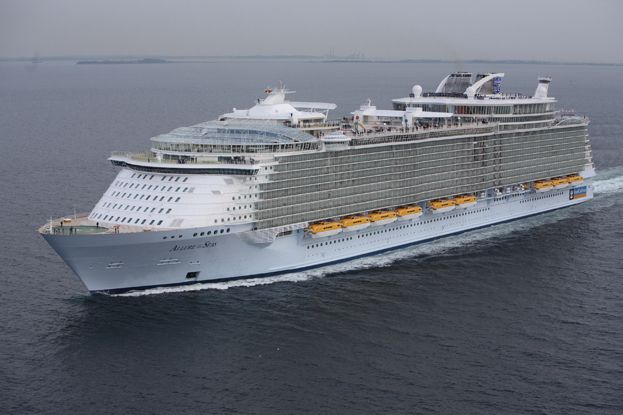 L'Allure of the Seas, 362 m de long et une capacité de 6 400 passagers