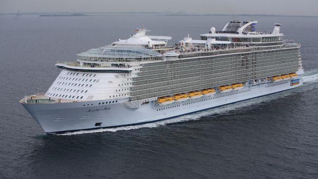 L'Allure of the Seas, 362 m de long et une capacité de 6400 passagers