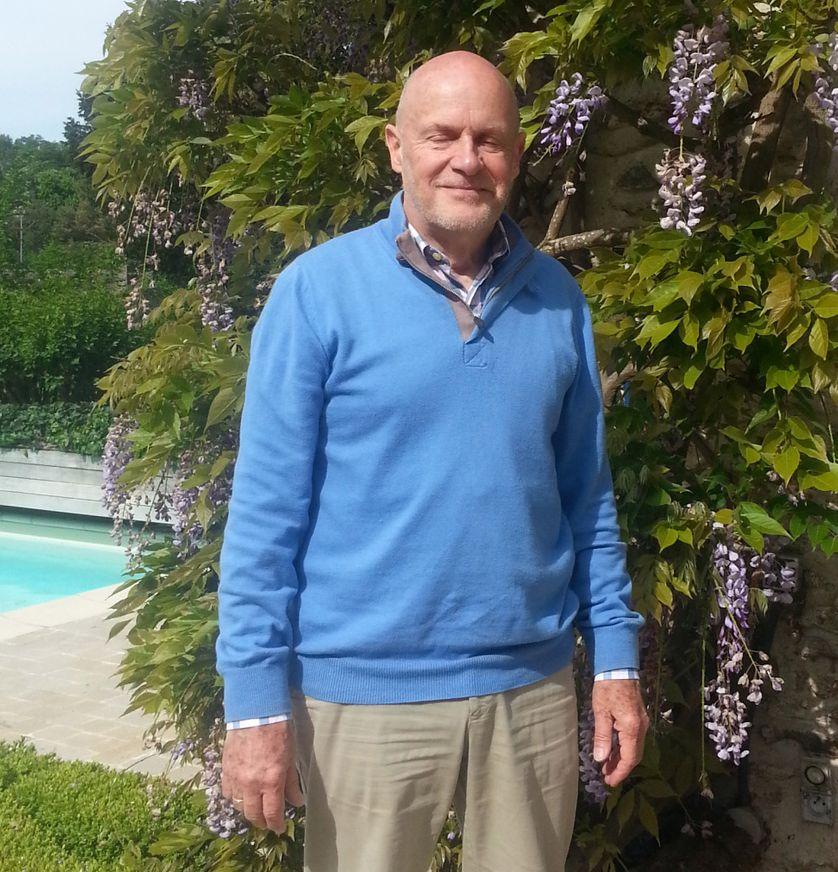 Edouard Prisse, chef d'entreprise à la retraite, propriétaire de la galerie Chikabee à De Haan, sur la côte belge