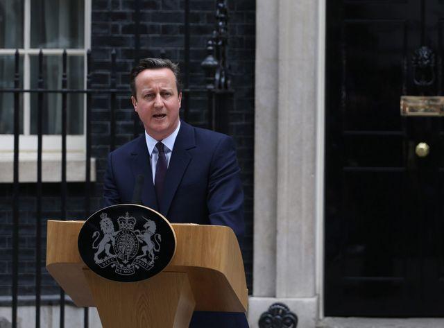 David Cameron a réédité sa promesse de transférer de  nouveaux pouvoirs à l'Écosse, au Pays de Galles et à l'Irlande
