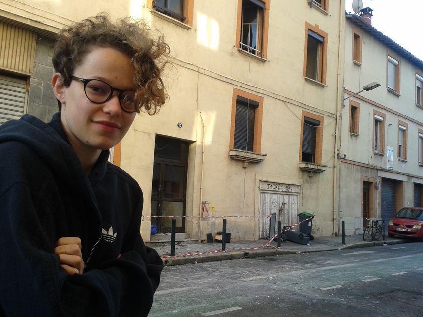 Nina, lycéenne, a sauvé plusieurs résident en tendant une corde à son balcon.