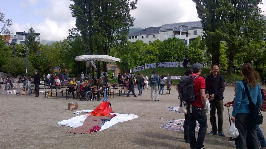 200 opposants rassemblés à Grenoble pour dire non au Center Parcs