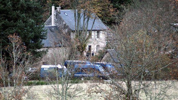 Le village de Tarnac bouclé par la gendarmerie en novembre 2008.
