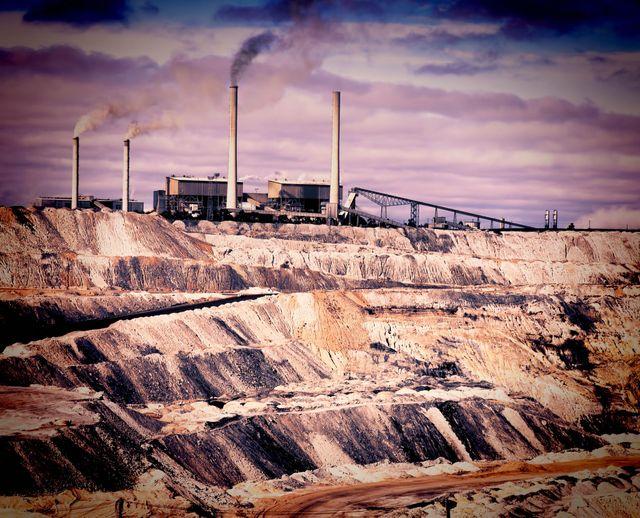 Une usine à ciel ouvert de charbon en Australie.