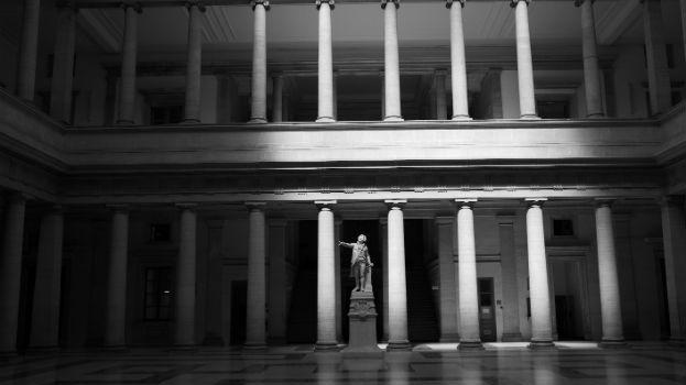 Salle des pas perdus au palais de justice d'Aix-en-Provence