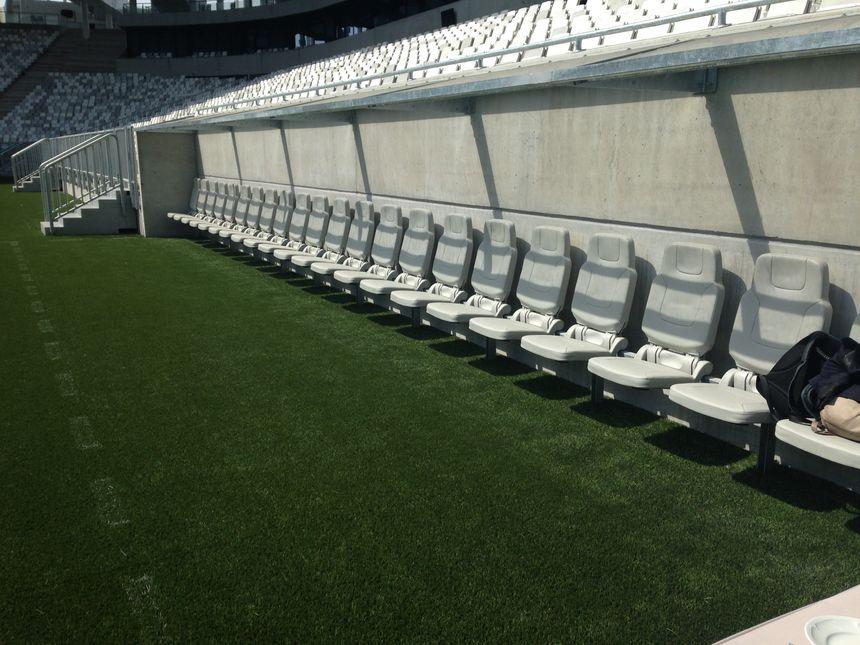 Un des bancs de touche du Nouveau Stade de Bordeaux