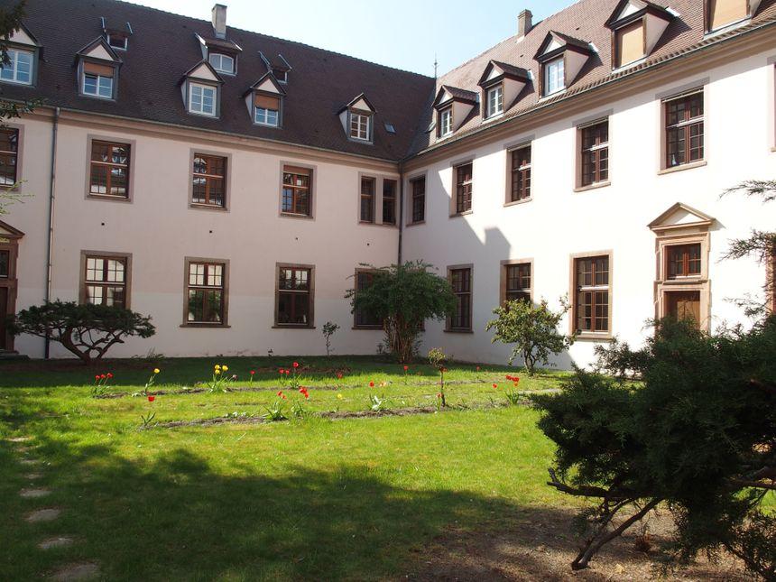 Ebersmunster, le jardin intérieur de l'abbaye
