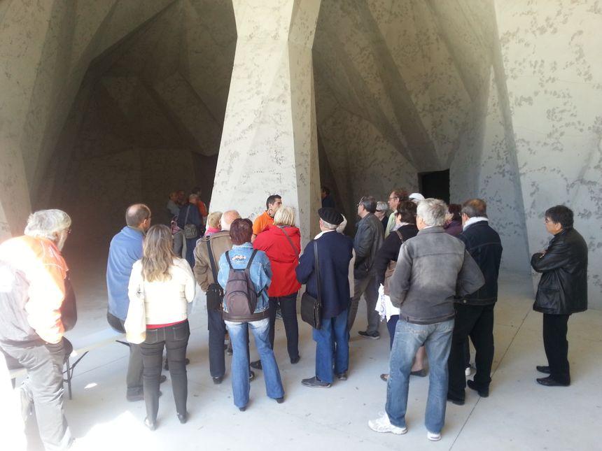 L'espace de restitution de la grotte Chauvet vu de l'extérieur, le 22 mai 2015