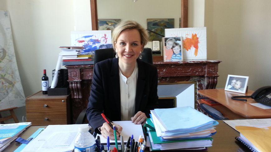 Virginie Calmels dans son bureau à la mairie de Bordeaux.