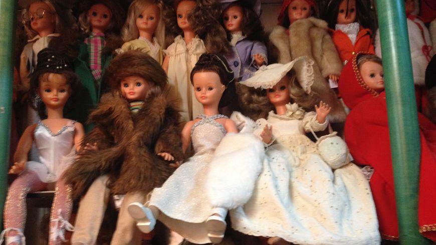 Bella a créé des milliers de modèles de poupées