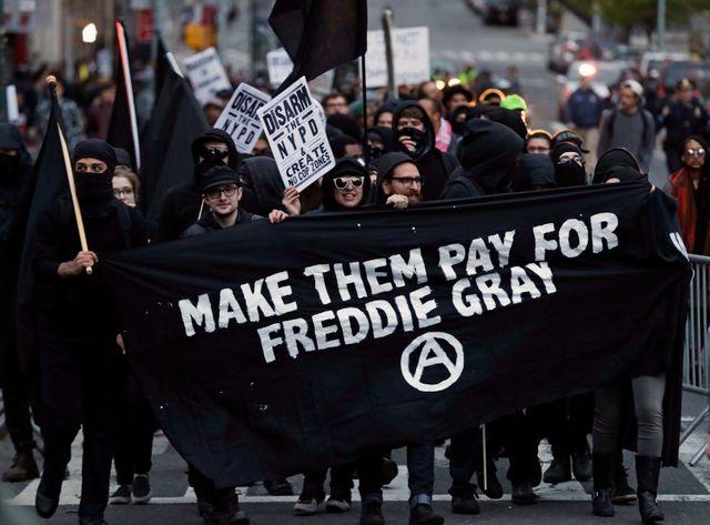 Une première victoire pour les manifestants de Baltimore qui maintiennent leur mobilisation.