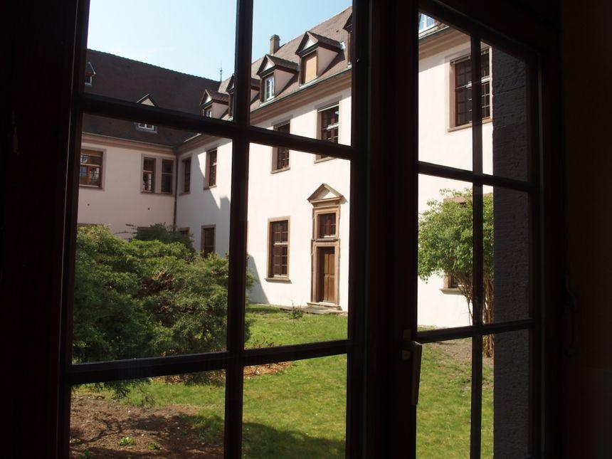 Ebersmunster, le patio de l'abbaye