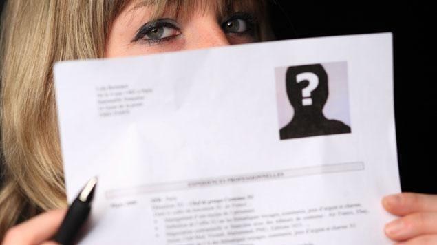 le cv anonyme ne convainc pas le groupe de travail form u00e9 par le gouvernement