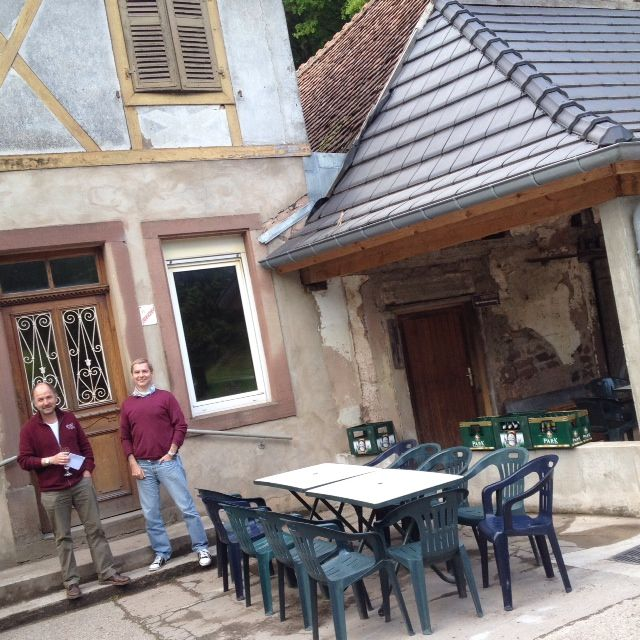 Denis Lieb et Philippe Mouraux devant le Moulin de Ratzwiller