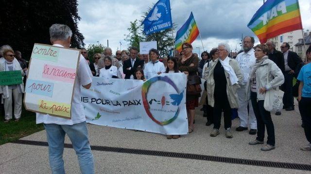 Une centaine de manifestants ont marché pour la paix à Besançon
