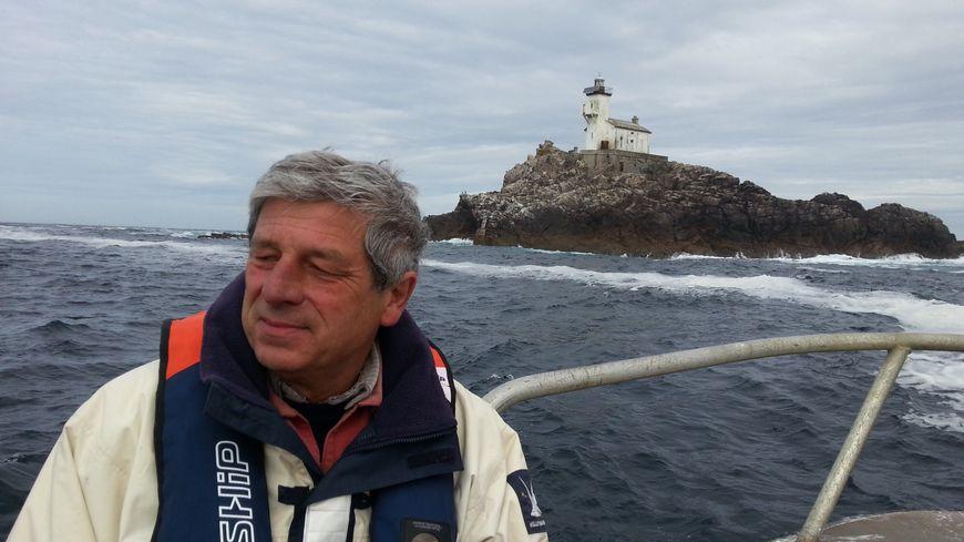 Marc Pointud va passer 60 jours seul au milieu de l'océan dans le phare de Tévennec