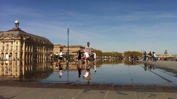 Le miroir d'eau, l'un des sites emblématiques de Bordeaux