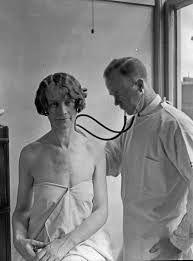 Médecin et patiente NB 1927