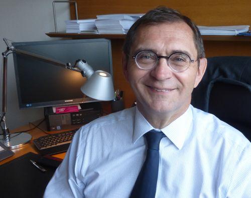 Pixel Services Publics - Le député de la Lozère Pierre Morel A l'Huissier