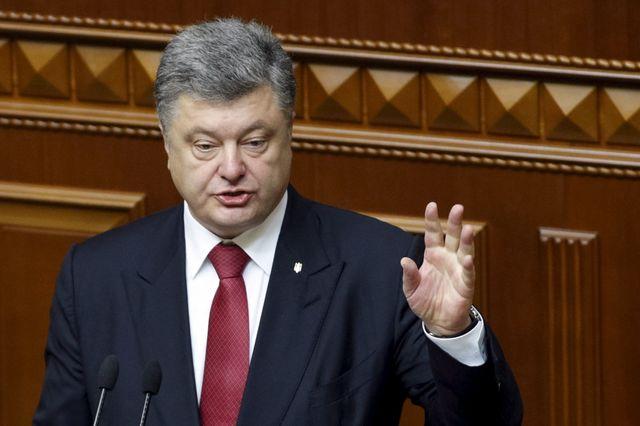 Le président ukrainien Petro Porochenko évoque une invasion russe