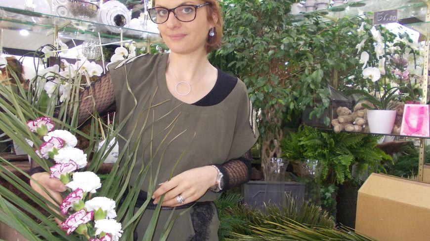 Hommage aux pendus de Tulle : la boutique Montagnac a préparé 99 tresses en fleurs