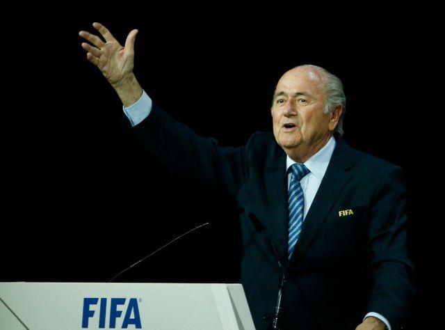 Joseph Blatter démissionne finalement de la tête de la FIFA