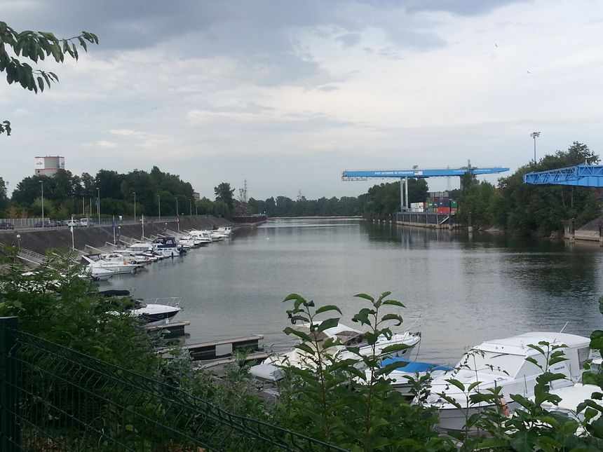La base de l'association du port de plaisance, à Strasbourg