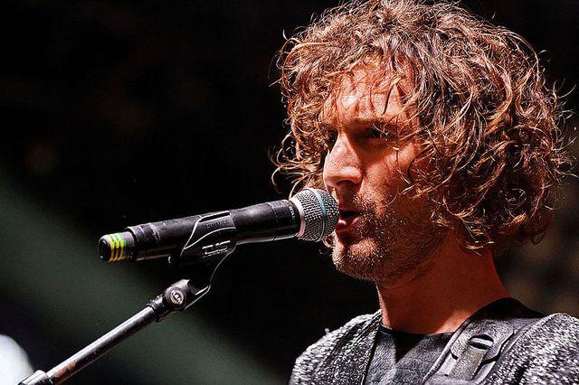 Florent Marchet en concert sur la scène Zebrock lors de la fête de l'Humanité 2014