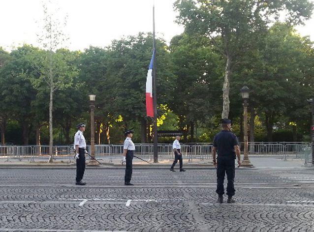 Défilé de policiers pour le 14 juillet