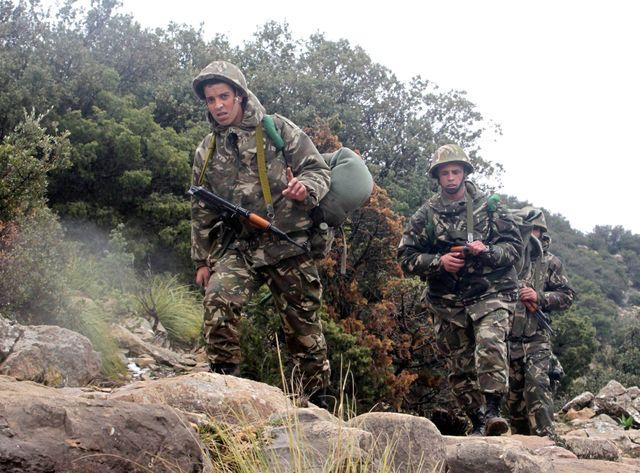 Des soldats algériens