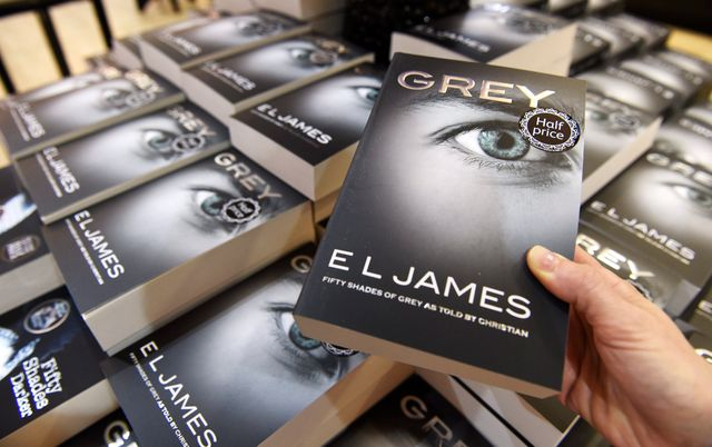 "Le 4e tome de ""50 nuances de Grey"" arrive en France"