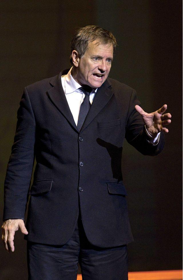 """Francis Huster dans """"La Peste"""" de Camus au Théâtre National de Nice"""