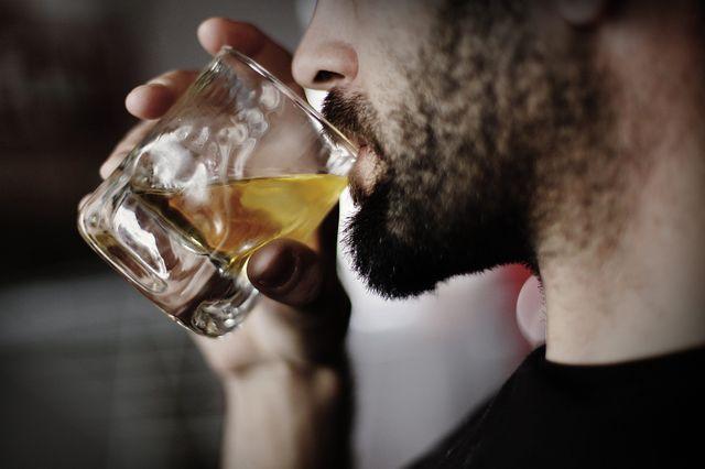 en 2012, les hospitalisations dues à l'alcool ont coûté 3 milliards d'euros à la collectivité